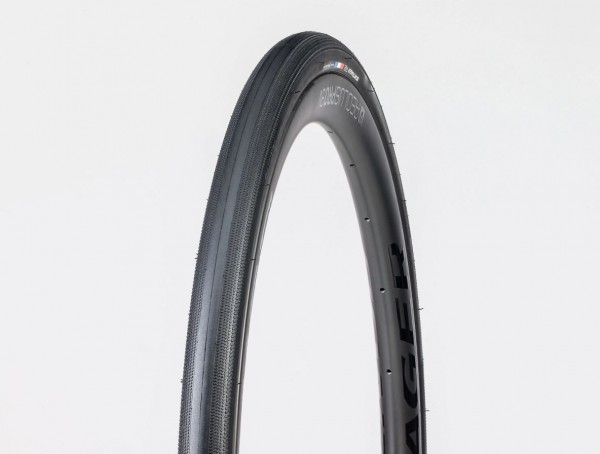 Bontrager R2 Hard-Case Road 28mm